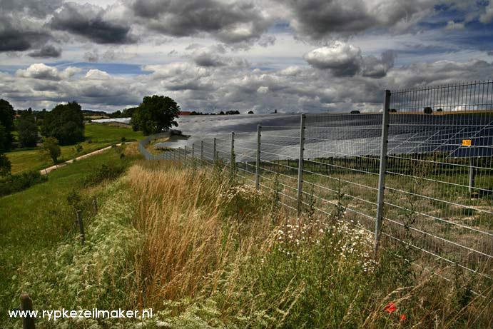 Niet klimaatverandering maar klimaatbeleid vernielt de meeste leefruimte voor plant en dier: hier een Duitse 'zonne-akker'