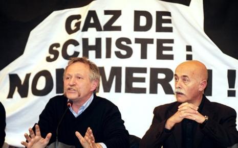 Milieuactivist José Bové en de burgemeester van Millau