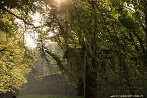 Saalburg, replica Romeins fort bij Bad Homburg. Door Duitsland van Rijn naar Donau loopt de 'Limes', een bewakingslinie voor soldaten vergelijkbaar met 'Hadrians Wall', maar dan minder intact en versterkt: die moest invallende Barbaren tegenhouden