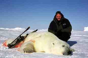 2/3 van sportjagers op ijsbeer in Canada komt uit Europa