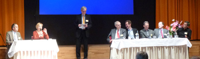 Paulus Jansen (SP) Marieke van der Werf (CDA), Cees den Blanmken (Cogen), Jaap Hoogkarspel (Deltalinqs), Ron Wit (Natuur en Milieu), Hans Altevogt (Greenpeace), Robert Dencher (Shell) en Paul Gilding (ex-Greenpeace)