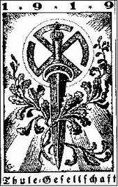De club van Haeckel: Het hakenkruis is een oosters symbool voor de zon, natuurverering