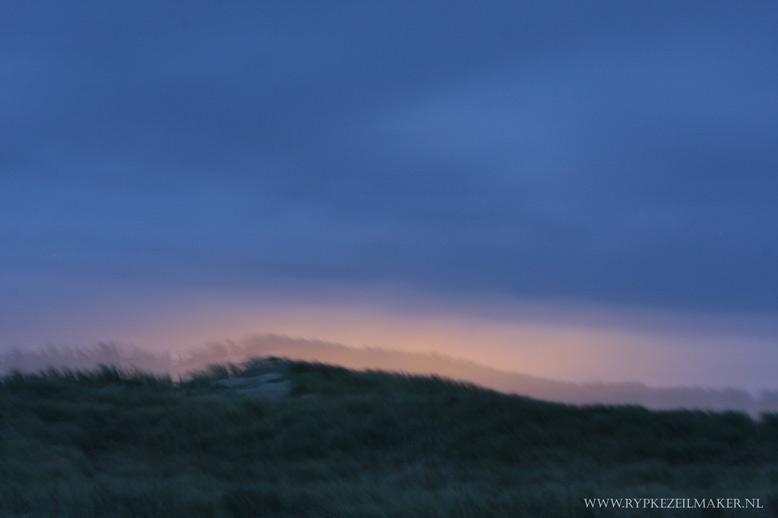 Duinen bij kunstlicht van Den Helder
