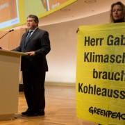 Gabriel Greenpeace-Protest-gegegn-Kohlekraftwerke
