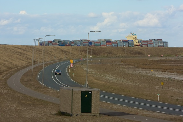 Plek zat, geen omwonenden: de Maasvlakte