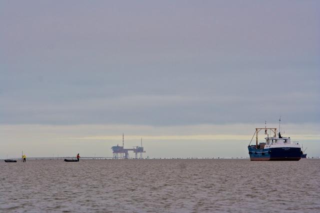Kokkelvissers voor Waddengasfonds-generator van de NAM
