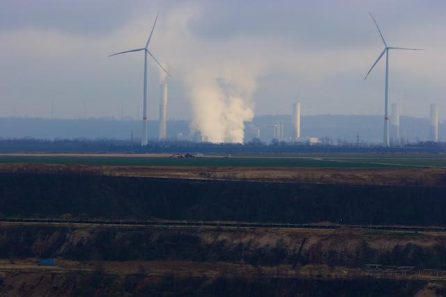 Windturbines voor de politiek, en de Kraftwerk voor de energie