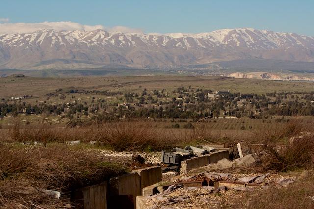 In Zesdaagse oorlog verwoestte Syrische bunkers op Golan met zicht op Mount Hermon.
