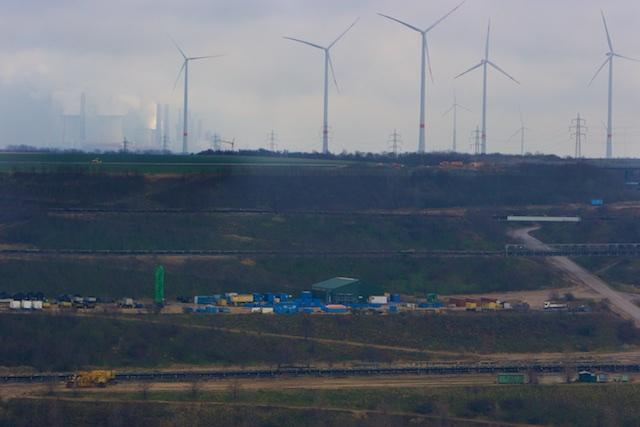 In Duitsland geen verdere CO2-reductie ondanks groei windturbines, bruinkool vult gat kerncentrales die Greenpeace heeft verboden
