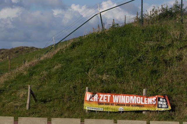 Met dank aan Ed Nijpels en zijn VVD worden windturbines ongevraagd door de strot geduwd. Ook bij Katwijk (Luchterduinen, met 850 miljoen euro subsidie voor Eneco)