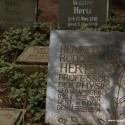 Rudolf Hertz- waarin frequenties van golven worden gemeten- ligt in Hamburg begraven op Friedhof Ohlsdorf
