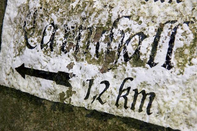 Een nog authentieke wegwijzer naar de Carinhall