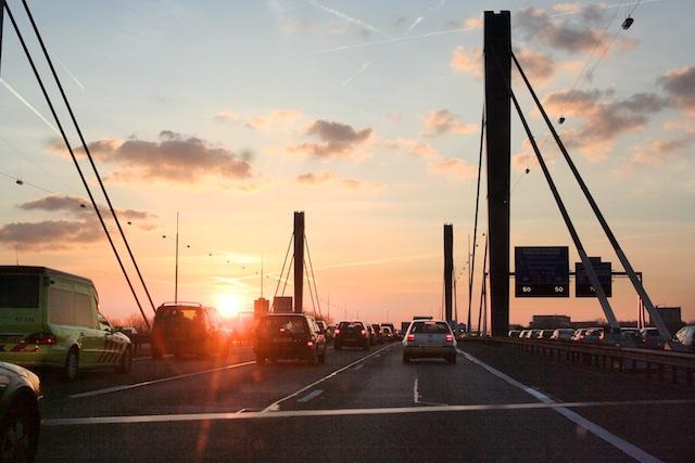In de file bij Utrecht. Ik offer graag een paar minuten geduld voor een groener landschap