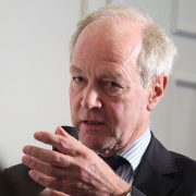 peter_lilley_mp_asking_a_question_from_the_audience_15765548995