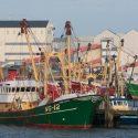 De loodsen van Frisia in Harlingen. Zij mogen van Ministerie van EZ de bodem met 1 meter laten dalen. Vissers wegpesten met EZ-subsidies, dat heet 'natuurherstel'