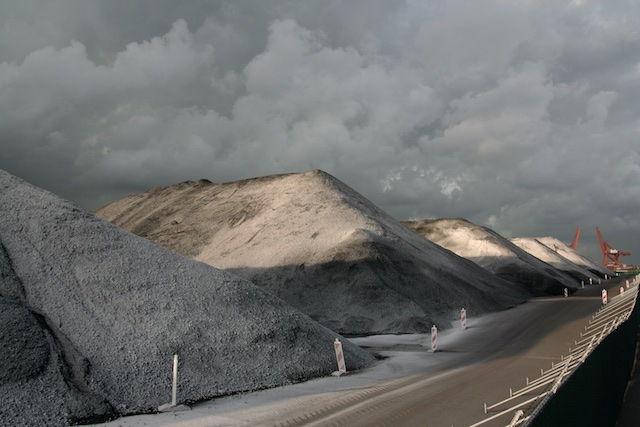 Dutch Mountains in Westelijk Havengebied: steenkool-opslag, biomassa uit het Carboon maar dan zonder de ecologische nadelen