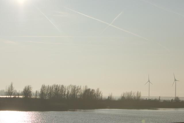 Bij Enkhuizen heb je al 'Marker Wadden' achtige eilandjes. Zo komt het er uiteindelijk uit te zien...