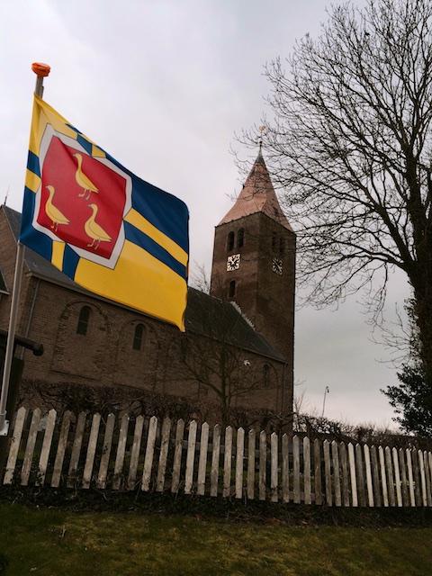 Rotganzen in de vlag van Wieringen als eilander totemdier